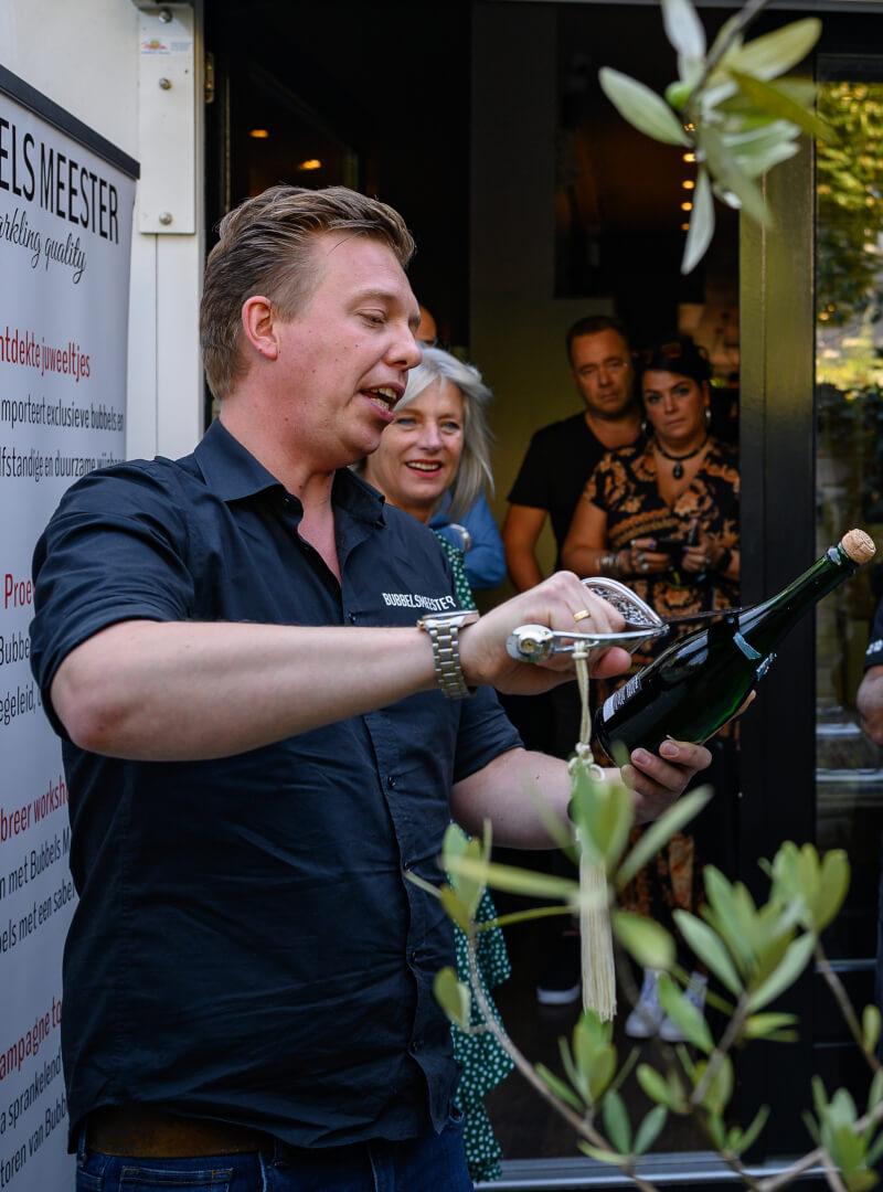 Ben je op zoek naar een Champagne sabreren workshop in of rondom Amsterdam? Lees meer