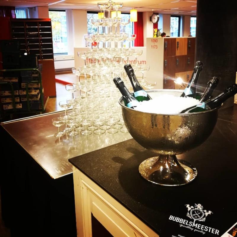 Champagnetoren tijdens een Bubbels Meester experience