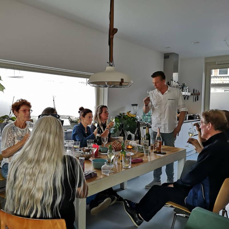 Gezellige wijnproeverij in Amsterdam met Bubbels Meester