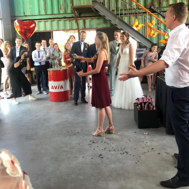 Sabreur op locatie voor op uw bruiloft! Bubbels Meester