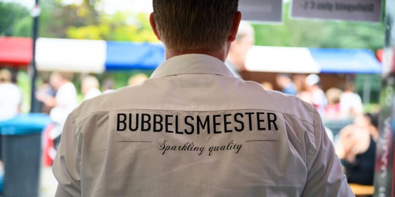 Bubbels Meester tijdens een Nederlandse wijnproeverij